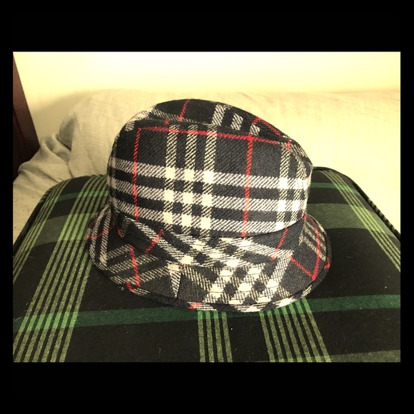 7d756dc5 Burberry Accessories | Rare S Hat Excellent Condition | Poshmark